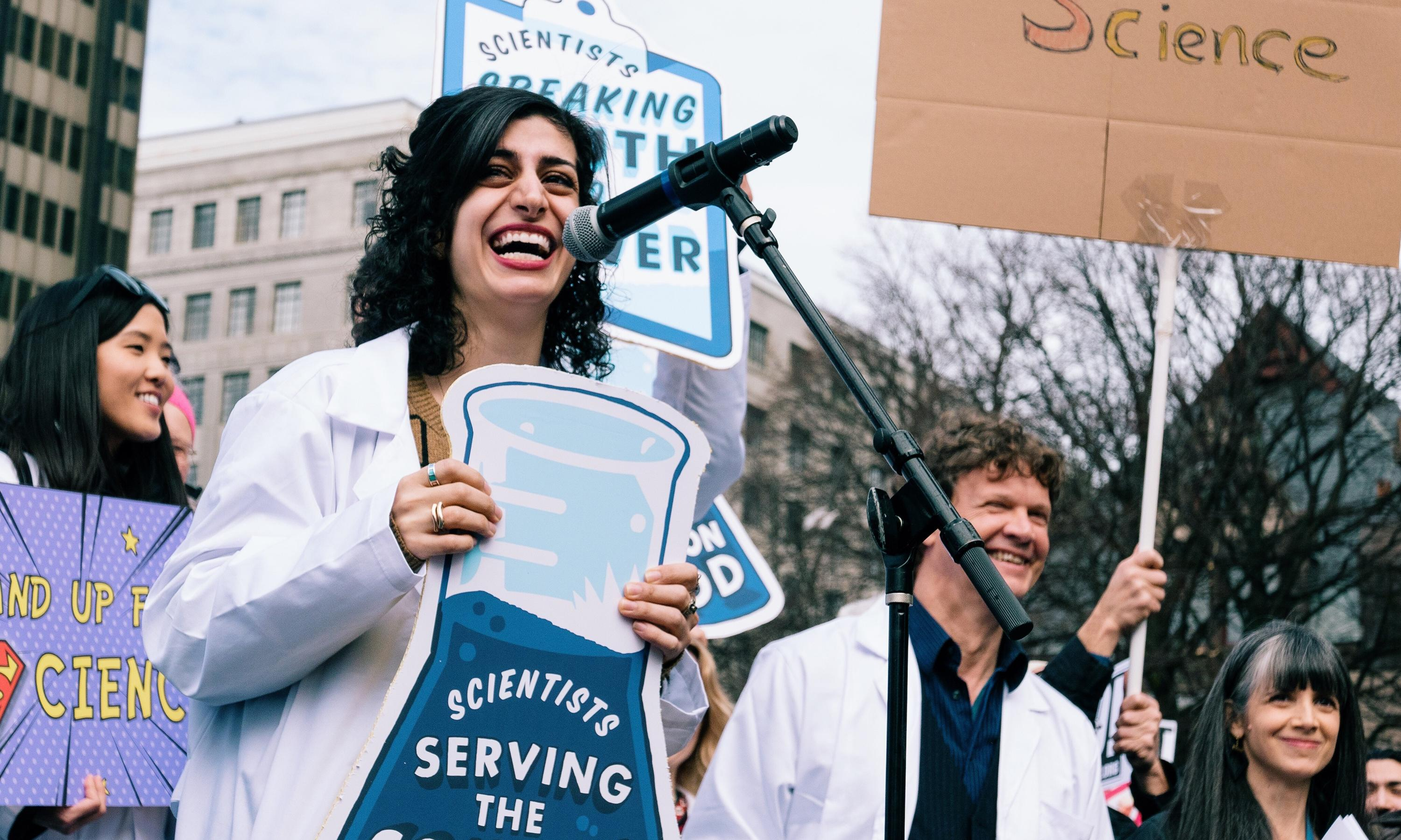 Maryam Zaringhalam speaks at a science march